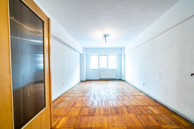 Apartament vanzare Racadau cu 4 camere, etajul 1 / 8, 2 grupuri sanitare, cu suprafata de 85 mp. Brasov, zona Racadau.