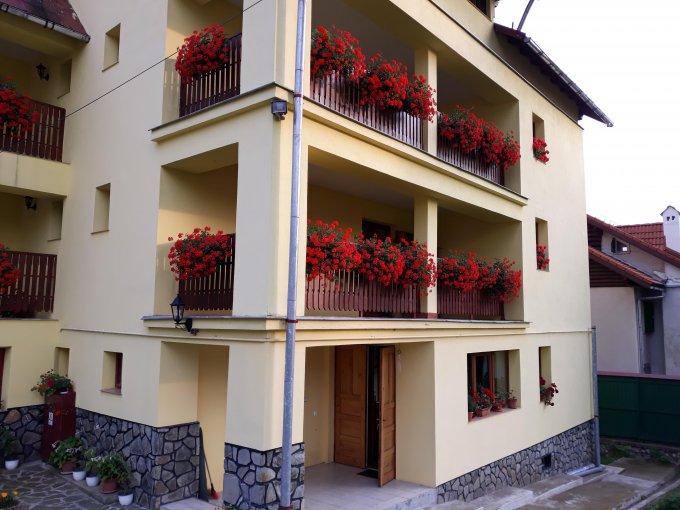 Apartament vanzare Predeal 4 camere, suprafata utila 120 mp, 1 grup sanitar, 1  balcon. 120.000 euro. Etajul 1 / 2. Destinatie: Rezidenta, Vacanta. Apartament Cioplea Predeal  Brasov
