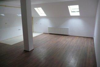 vanzare apartament cu 4 camere, decomandat, in zona Central, orasul Predeal
