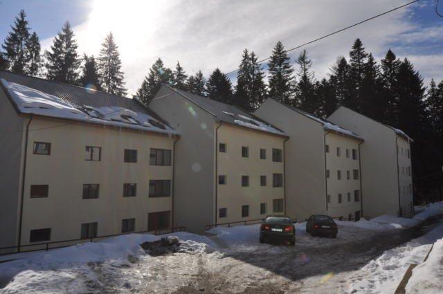 Apartament vanzare Predeal 4 camere, suprafata utila 123 mp, 2 grupuri sanitare. 60.000 euro. Etajul Mansarda. Destinatie: Rezidenta, Vacanta. Apartament Predeal  Brasov