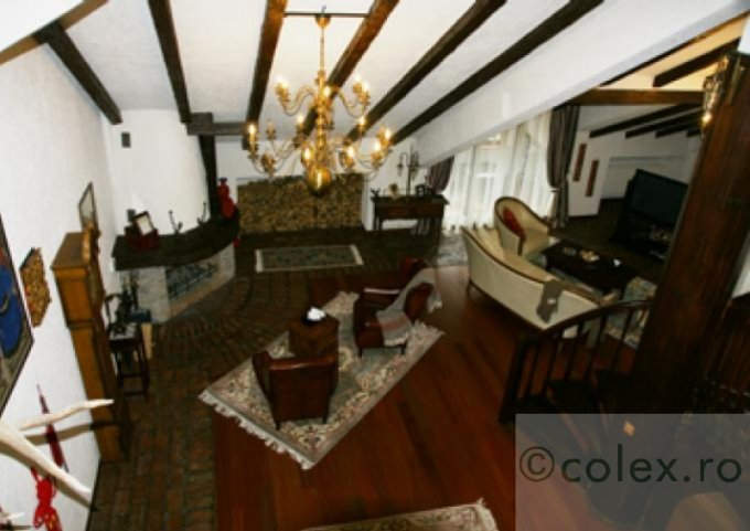vanzare Apartament Predeal cu 5 camere, cu 4 grupuri sanitare, suprafata utila 203 mp. Pret: 300.000 euro negociabil.