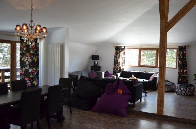 Apartament de vanzare direct de la agentie imobiliara, in Predeal, in zona Cioplea, cu 250.000 euro negociabil. 1 grup sanitar, suprafata utila 213 mp.