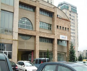 Brasov, zona Centrul Civic, birou cu 32 camere de vanzare de la proprietar