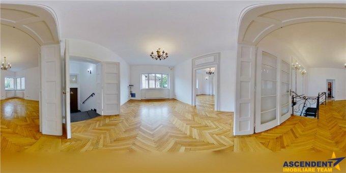 Birou de inchiriat Centru Brasov cu 5 camere, cu 2 grupuri sanitare, suprafata 128 mp. Pret: 1.300 euro.