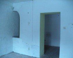 vanzare Casa Brasov cu 3 camere, cu suprafata utila de 110 mp, 1 grup sanitar. 50.000 euro.. Casa vanzare Centrul Civic Brasov