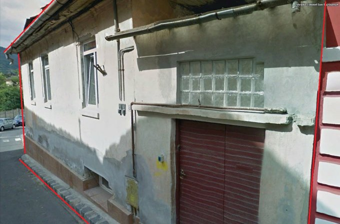 Casa de vanzare direct de la proprietar, in Brasov, zona Centrul Istoric, cu 130.000 euro negociabil. 2 grupuri sanitare, suprafata utila 120 mp. Are  4 camere.