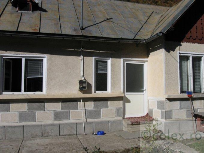 vanzare Casa Predeal Semicentral cu 4 camere, 1 grup sanitar, avand suprafata utila 90 mp. Pret: 110.000 euro negociabil. agentie imobiliara vand Casa.