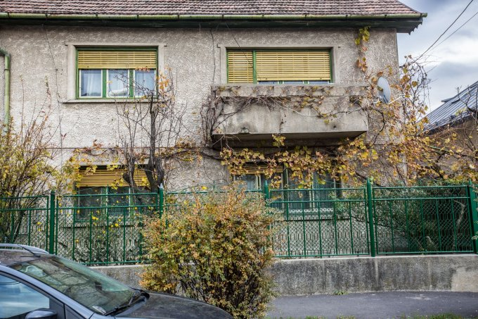 vanzare Casa Brasov Bartolomeu cu 4 camere, 2 grupuri sanitare, avand suprafata utila 160 mp. Pret: 139.000 euro. agentie imobiliara vand Casa.