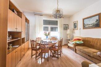 vanzare casa de la agentie imobiliara, cu 4 camere, in zona Grivitei, orasul Brasov