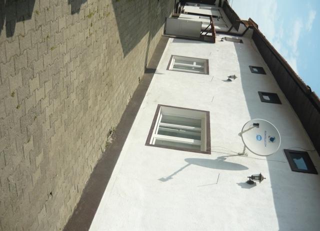 vanzare Casa Rasnov cu 5 camere, 2 grupuri sanitare, avand suprafata utila 220 mp. Pret: 120.000 euro negociabil. agentie imobiliara vand Casa.