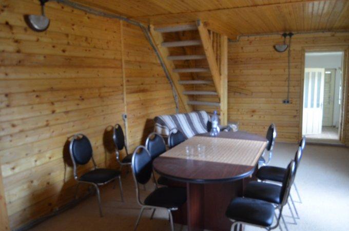 Casa de vanzare direct de la agentie imobiliara, in Predeal, zona Centru, cu 79.000 euro. 1 grup sanitar, suprafata utila 160 mp. Are  5 camere.