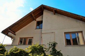 vanzare casa de la agentie imobiliara, cu 5 camere, in zona Centrul Istoric, orasul Brasov
