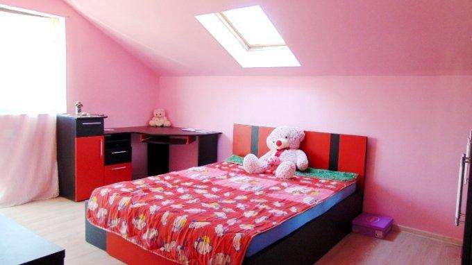 vanzare Casa Zarnesti cu 7 camere, cu suprafata utila de 350 mp, 2 grupuri sanitare. 11.000 euro negociabil.. Casa vanzare Zarnesti  Brasov