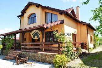 inchiriere casa cu 3 camere, comuna Sanpetru, suprafata utila 200 mp
