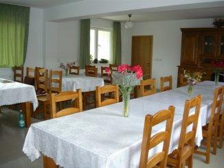 Casa de vanzare cu 9 camere, Moieciu de Jos Brasov