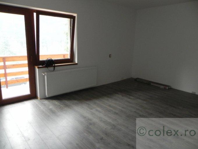 Garsoniera vanzare Cioplea etajul 1, 1 grup sanitar, cu suprafata de 40 mp. Predeal, zona Cioplea.