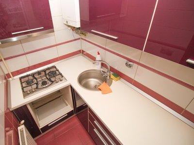 Garsoniera de vanzare direct de la agentie imobiliara, in Predeal, zona Eroilor, cu 35.000 euro. 1 grup sanitar, suprafata utila 31 mp.