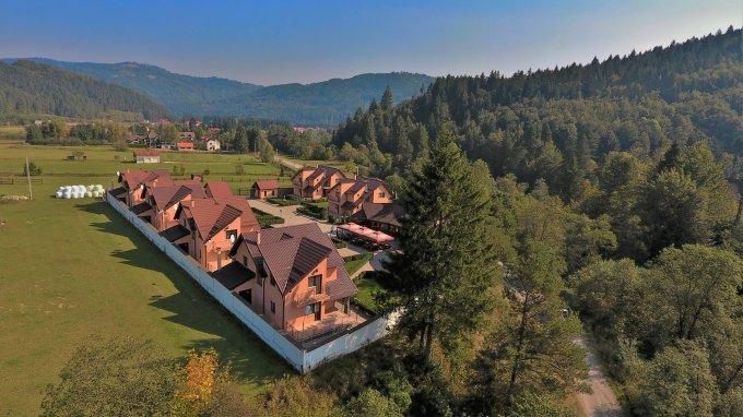 Mini hotel / Pensiune cu 24 camere, 1 etaj, cu suprafata utila de 1590 mp, 14 grupuri sanitare, 24  balcoane. 1.390.000 euro. Mini hotel / Pensiune Bradet Sacele  Brasov