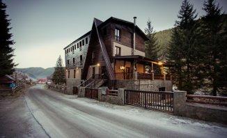 Brasov Moieciu de Sus, Mini hotel / Pensiune cu 12 camere de vanzare de la agentie imobiliara