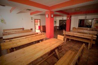 Mini hotel de vanzare cu 2 etaje 12 camere, Moieciu de Sus  Brasov