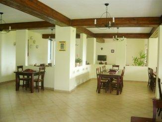 vanzare Mini hotel de la agentie imobiliara cu 2 etaje, 12 camere, comuna Bran