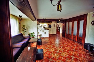 Mini hotel de vanzare cu 2 etaje 11 camere, Bran  Brasov