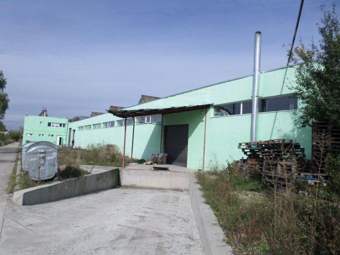Spatiu industrial de vanzare direct de la agentie imobiliara, in Brasov, zona Uzina 2, cu  EUR. 1 grup sanitar, suprafata utila 2200 mp.