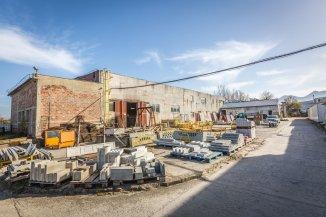 vanzare Spatiu industrial 640 mp, 1 grup sanitar, zona Uzina 2, orasul Brasov
