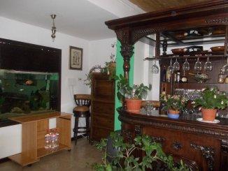vanzare vila de la agentie imobiliara, cu 1 etaj, 6 camere, in zona Craiter, orasul Brasov