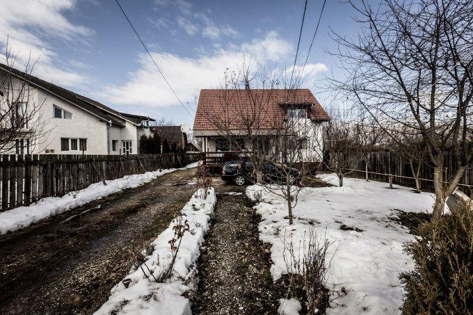 Stupini Brasov vila cu 4 camere, 1 etaj, 2 grupuri sanitare, cu suprafata utila de 170 mp, suprafata teren 1800 mp si deschidere de 18 metri. In orasul Brasov, zona Stupini.
