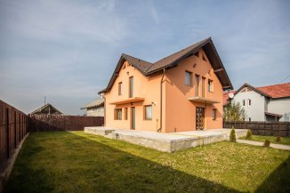 Brasov Cristian, vila cu 6 camere de vanzare de la agentie imobiliara