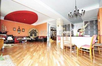 vanzare vila de la agentie imobiliara, cu 1 etaj, 6 camere, in zona Centrul Istoric, orasul Brasov