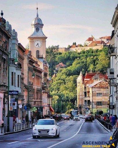 Brasov vila cu 3 camere, 1 etaj, 3 grupuri sanitare, cu suprafata utila de 360 mp, suprafata teren 400 mp si deschidere de 15 metri. In orasul Brasov.