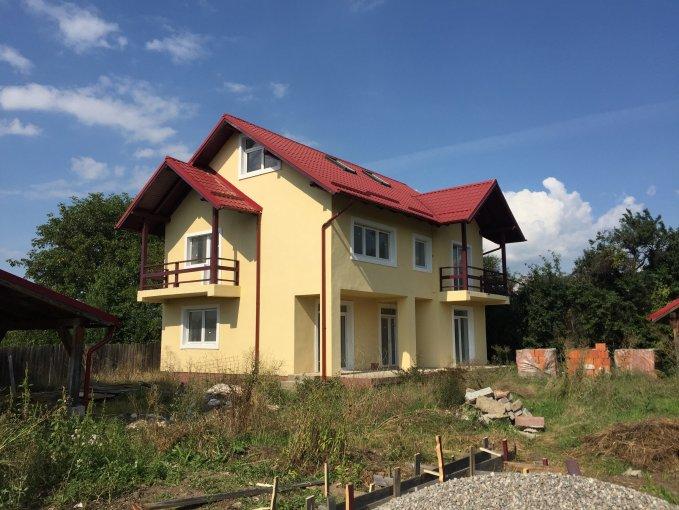 Vila cu 4 camere, 2 etaje, cu suprafata utila de 170 mp, 3 grupuri sanitare, 2  balcoane. 92.500 euro. Vila Sanpetru  Brasov