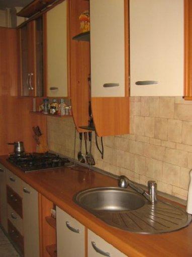 agentie imobiliara vand apartament semidecomandat, in zona Berceni, orasul Bucuresti