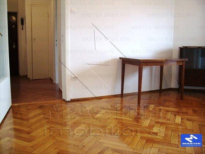 vanzare apartament decomandat, zona Unirii, orasul Bucuresti, suprafata utila 50 mp