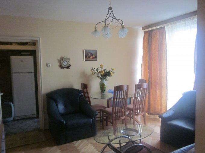vanzare apartament decomandat, zona Unirii, orasul Bucuresti, suprafata utila 45 mp