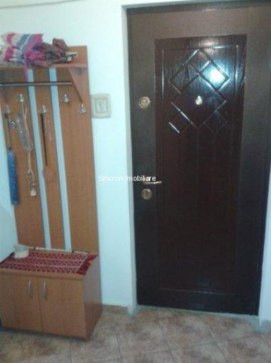 vanzare apartament semidecomandat, orasul Bucuresti, suprafata utila 53 mp
