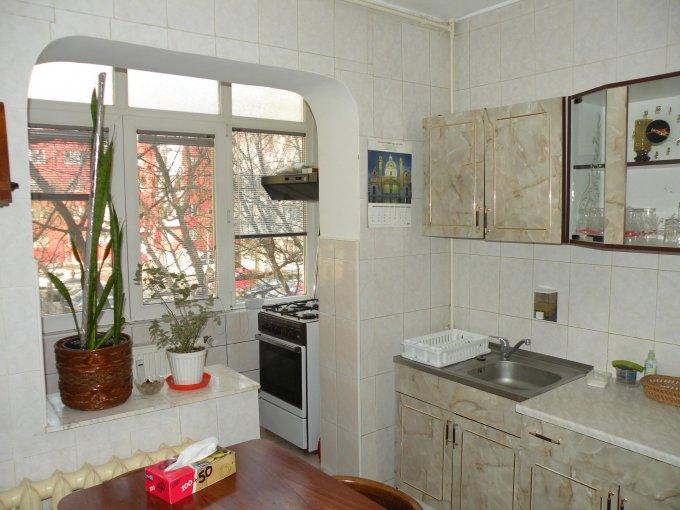 agentie imobiliara inchiriez apartament decomandat, in zona Berceni, orasul Bucuresti