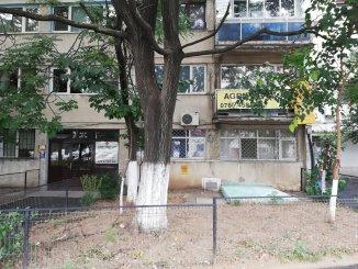 vanzare apartament cu 2 camere, decomandat, in zona Eroii Revolutiei, orasul Bucuresti