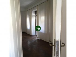 vanzare apartament cu 2 camere, semidecomandat, in zona Piata Victoriei, orasul Bucuresti