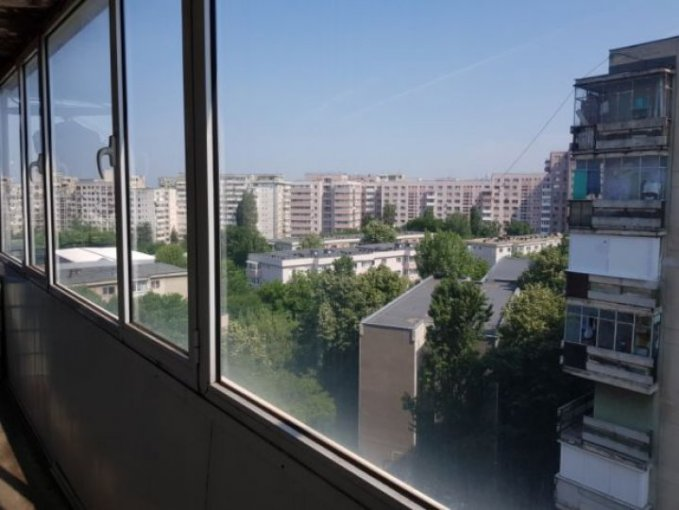 Apartament de vanzare in Bucuresti cu 2 camere, cu 1 grup sanitar, suprafata utila 55 mp. Pret: 60.000 euro.