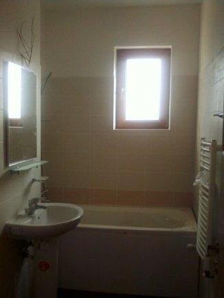 vanzare apartament cu 2 camere, decomandata, in zona Splaiul Unirii, orasul Bucuresti