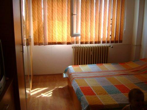 Bucuresti, zona 1 Decembrie 1918, apartament cu 2 camere de vanzare