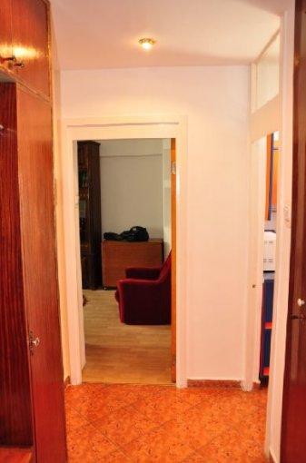 agentie imobiliara inchiriez apartament decomandata, in zona Mosilor, orasul Bucuresti