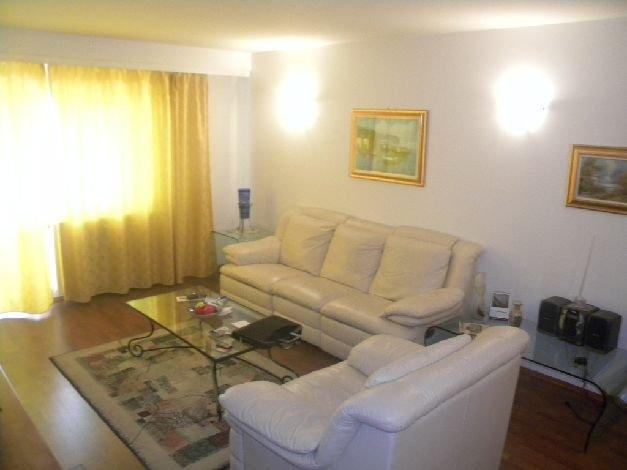 Apartament cu 2 camere de vanzare, confort 1, zona Decebal,  Bucuresti
