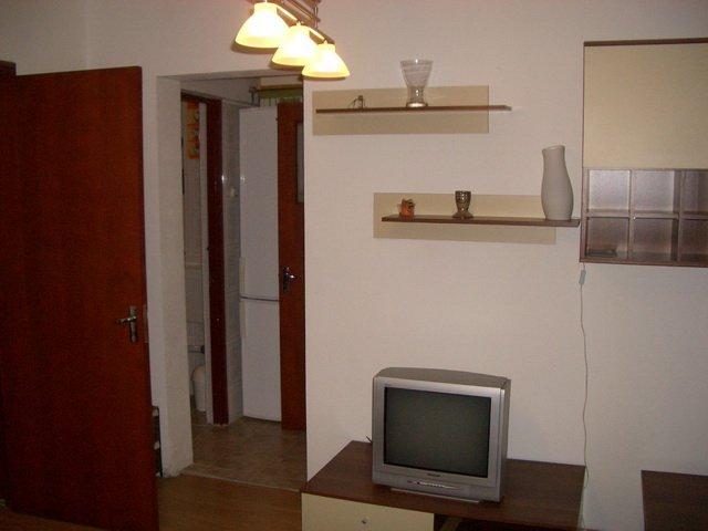 inchiriere apartament semidecomandata, zona Berceni, orasul Bucuresti, suprafata utila 38 mp