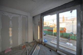 agentie imobiliara vand apartament decomandat, in zona Crangasi, orasul Bucuresti