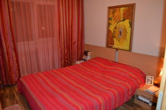 vanzare apartament cu 2 camere, decomandat, in zona Margeanului, orasul Bucuresti