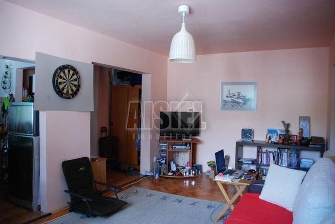 vanzare apartament semidecomandat, zona Obor, orasul Bucuresti, suprafata utila 53 mp